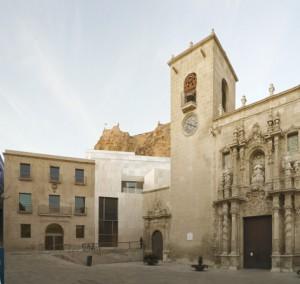BASÍLICA DE SANTA MARÍA Y MUSEO DE ARTE CONTEMPORÁNEO; MACA