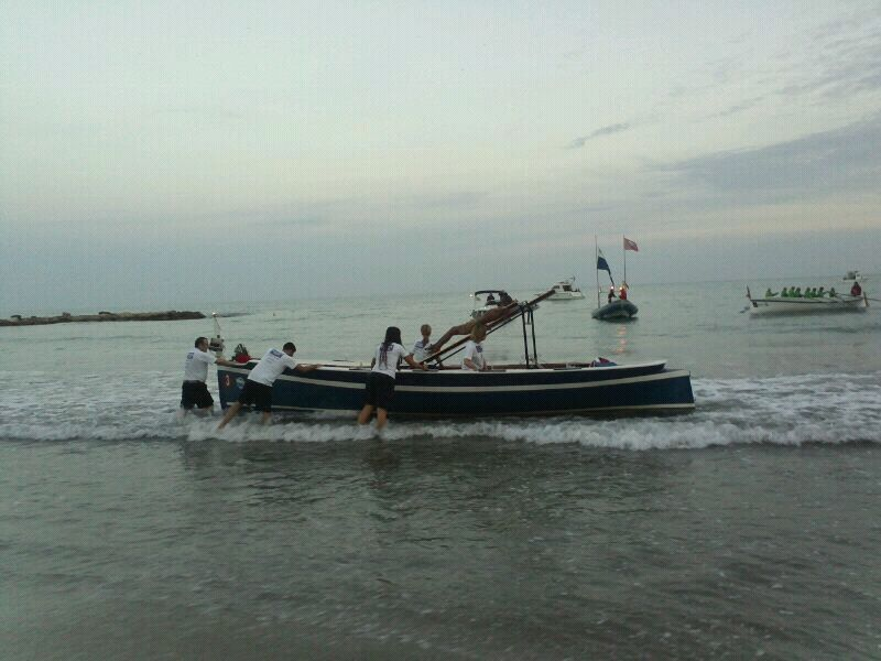 Alicante, una procesión en el mar