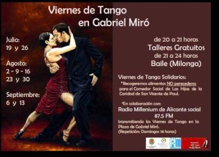 Baila Tango en la plaza de Gabriel Miró