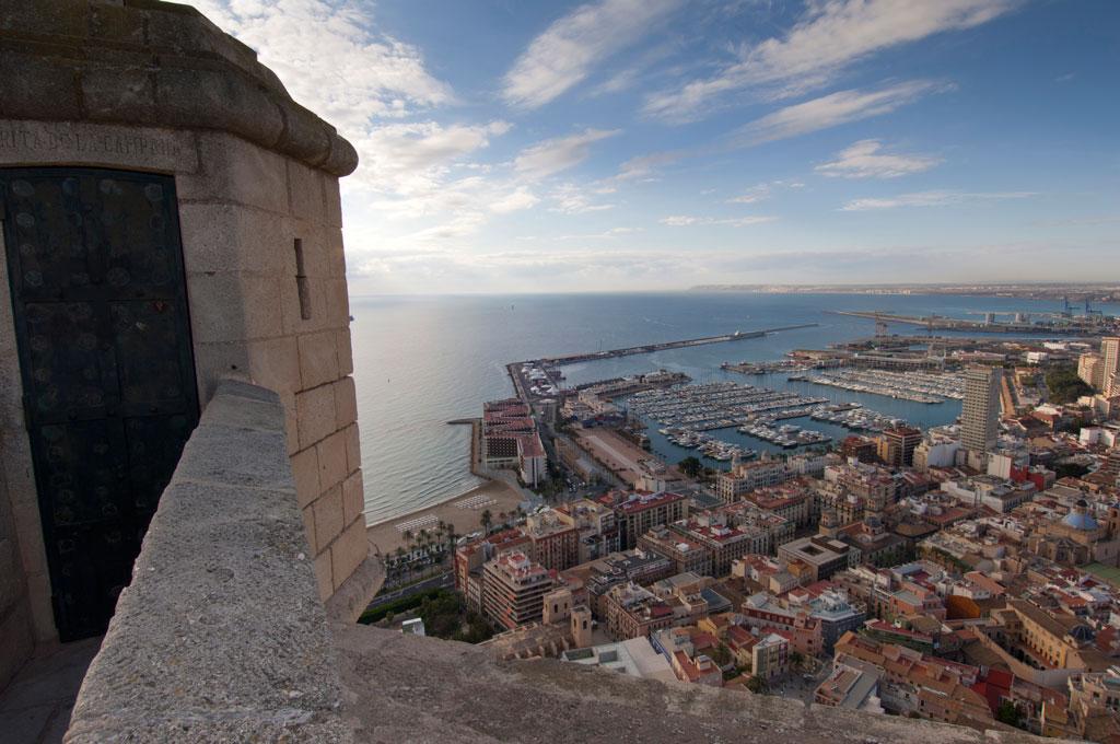Mil años de historia del Castillo de Santa Bárbara de Alicante. Verano 2014