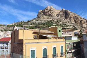 castillo desde terraza de la DO. Ruta guiada gastronómica