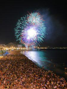 CONCURSO DE FUEGOS ARTIFICIALES. HOGUERAS DE SAN JUAN 2019 @ Playa del Postiguet | Comunidad Valenciana | España