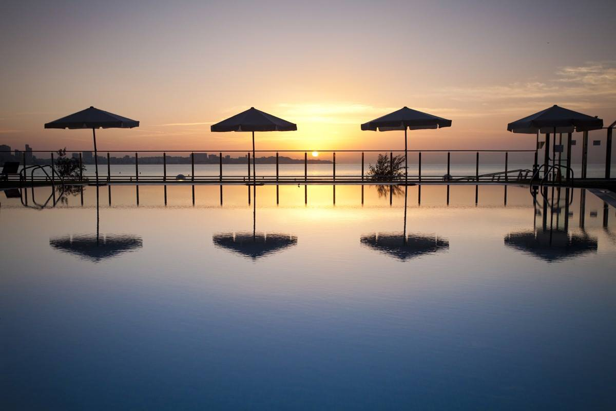 hotel melia piscina
