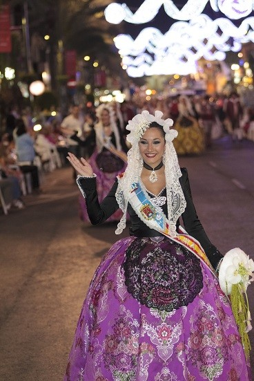 Vestidos tradicionales. Fogueres de Sant Joan, Alicante