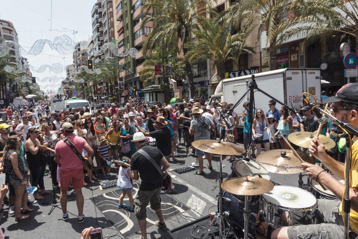 Conciertos en Fogueres de Sant Joan. Autor Borja López 2