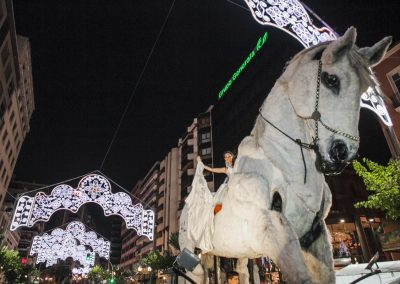 Desfile Folclórico Internacional. Fogueres de Sant Joan, Alicante, autor Borja López