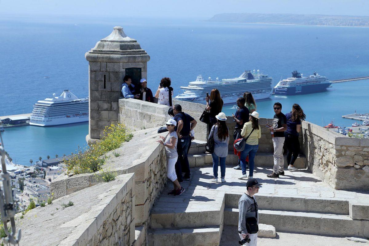 Alicante city beach site officiel du tourisme d 39 alicante espagne - Office du tourisme valencia ...