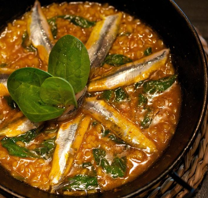 "Recipe of Rice with white anchovies and spinach ""Arroz con anchoas y espinacas"""