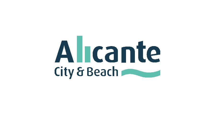 El Ayuntamiento de Alicante abre al baño el Postiguet y realiza un gran despliegue de medios para recuperar las playas