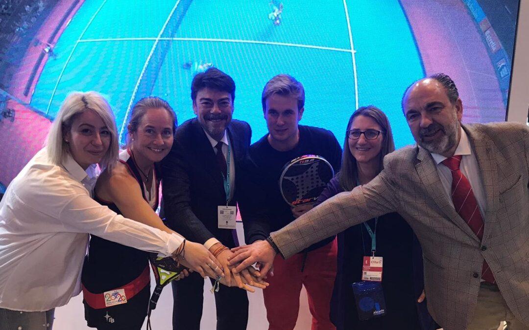 Alicante exhibe en FITUR su Torneo Internacional de Fútbol Base, el World Padel Tour y el Campeonato de Balonmano playa para captar turismo deportivo